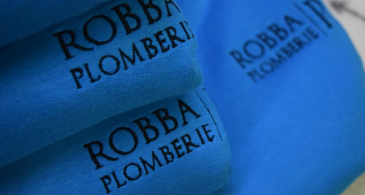 PULL BRODERIE ROBBA PLOMBERIE